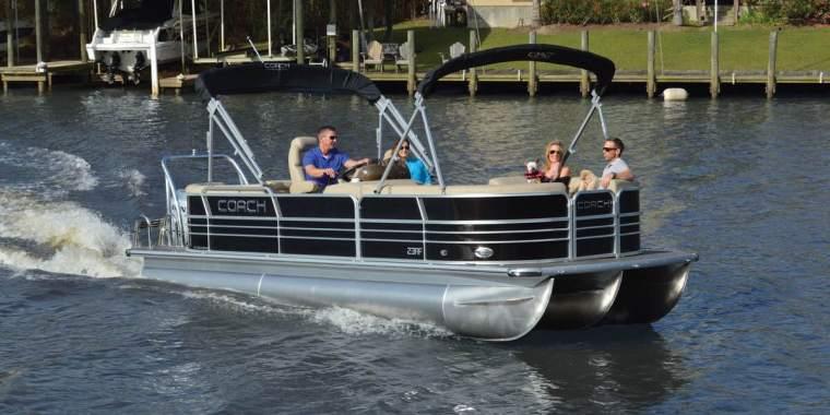 Carefree Boat Club on Lake Geneva and Lake Delavan. Walworth County, WI