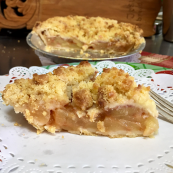 Royal Oak Orchard Farm Country Kitchen - Apple Crumb Pie